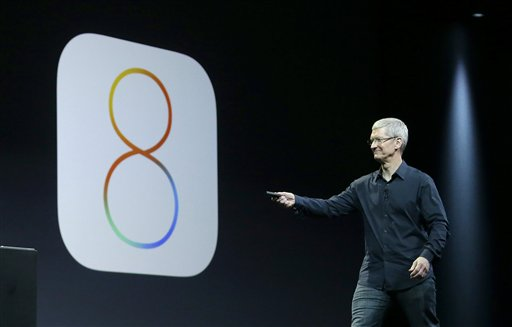 El director general de Apple, Tim Cook, habla sobre el iOS 8 conferencia de desarrolladores de Apple en San Francisco, el lunes 2 de junio de 2014. Foto: AP.